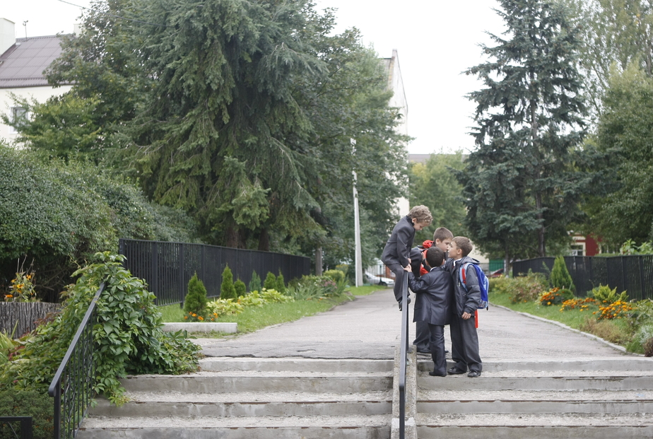 Государство выделит 600 млн руб. на пошив школьной формы из российских тканей