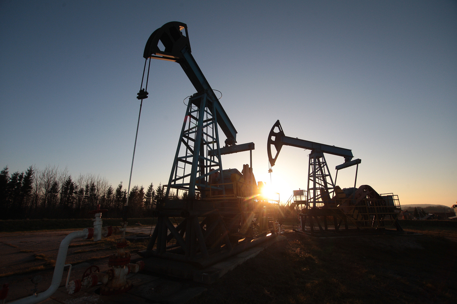 Цена на нефть впервые за полтора года превысила 57 долларов за баррель - Новости Калининграда