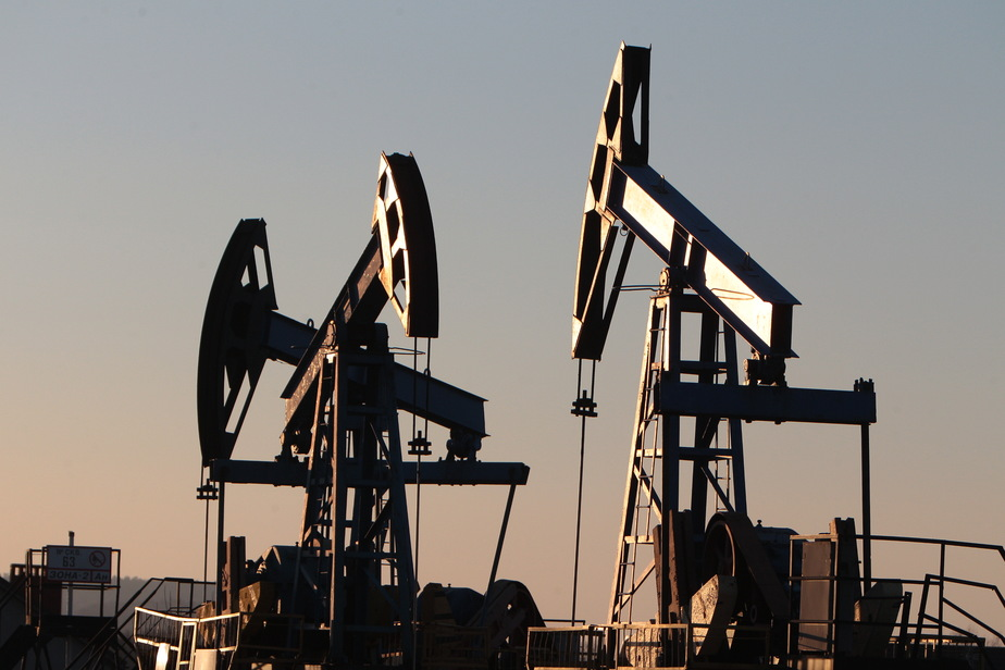 Цена на нефть упала ниже минимума 2004 года - Новости Калининграда