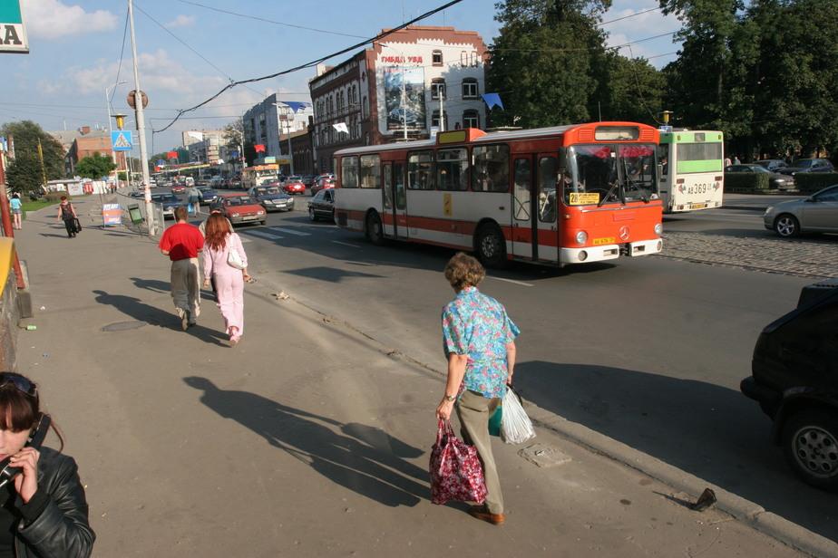 Ярошук: Перевозчики вывели из строя навигацию, следить за автобусами невозможно  - Новости Калининграда