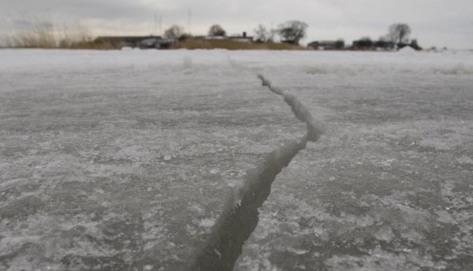 МЧС: на всех водоёмах Калининградской области начался дрейф льдин