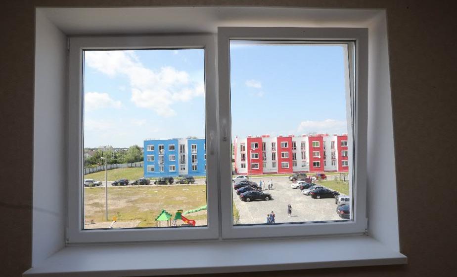 Жители Немана заплатили за установку стеклопакетов мошеннику - Новости Калининграда