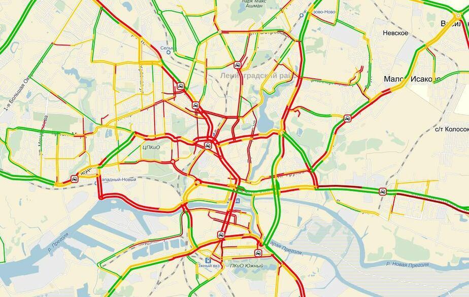 В Калининграде произошло сразу девять аварий, город встал в пробках  - Новости Калининграда
