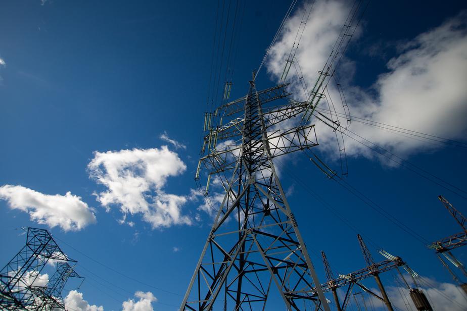 Россиян обяжут платить за содержание электросетей