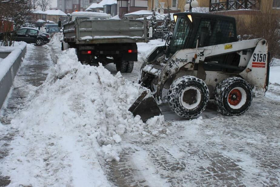 Ярошук: Вчера я дал поручение начинать активную уборку снега поздно вечером  - Новости Калининграда