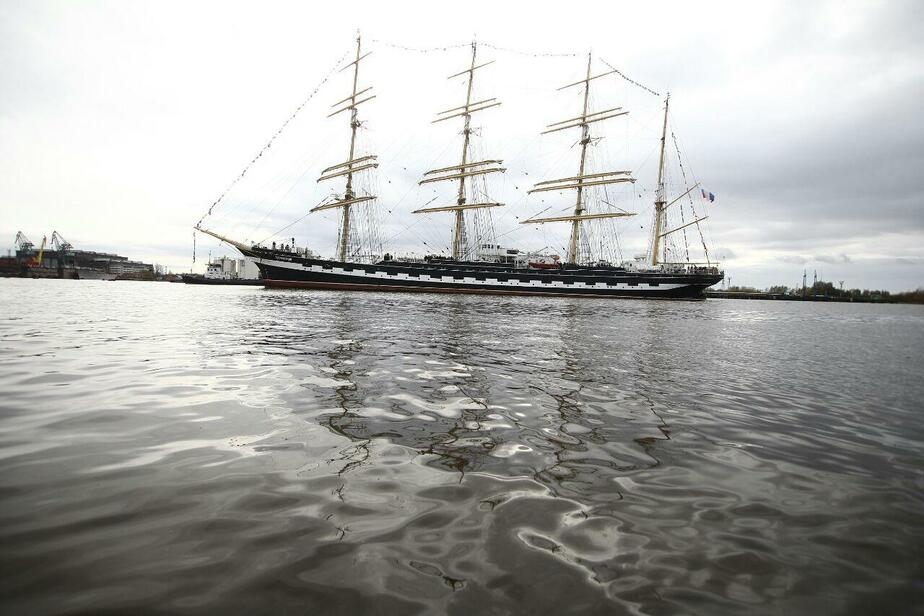 "Барк ""Крузенштерн"" прибыл в порт Калининград (фото) - Новости Калининграда"