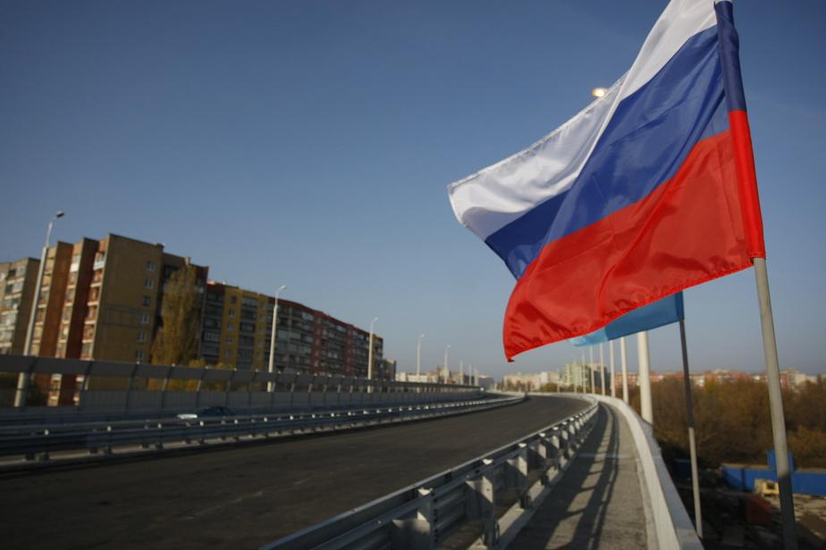 Опрос: больше половины россиян считает, что самые тяжёлые времена впереди