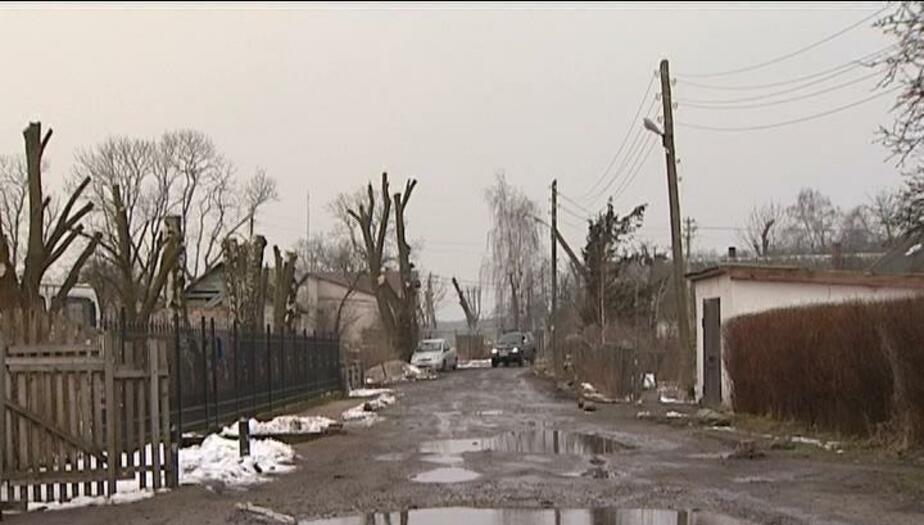 Десятки лет без асфальта: жители пос. Малиновка добиваются ремонта дороги  - Новости Калининграда