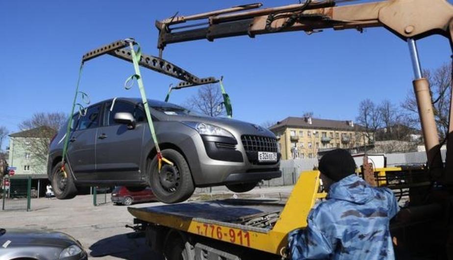 Беременной калининградке пять часов отказывались возвращать машину со штрафстоянки - Новости Калининграда