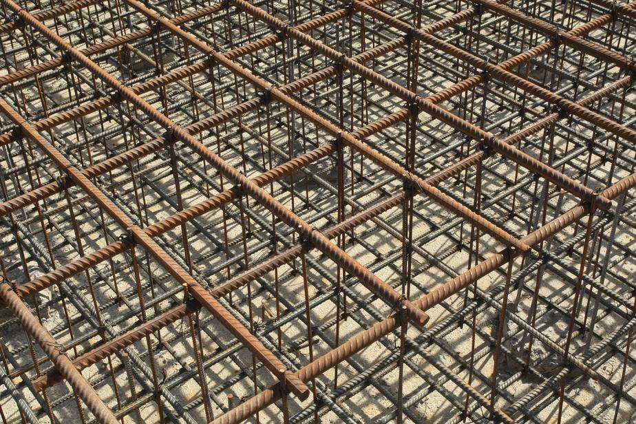 На строительстве корпуса Музея Мирового океана рабочий  напоролся на металлический штырь