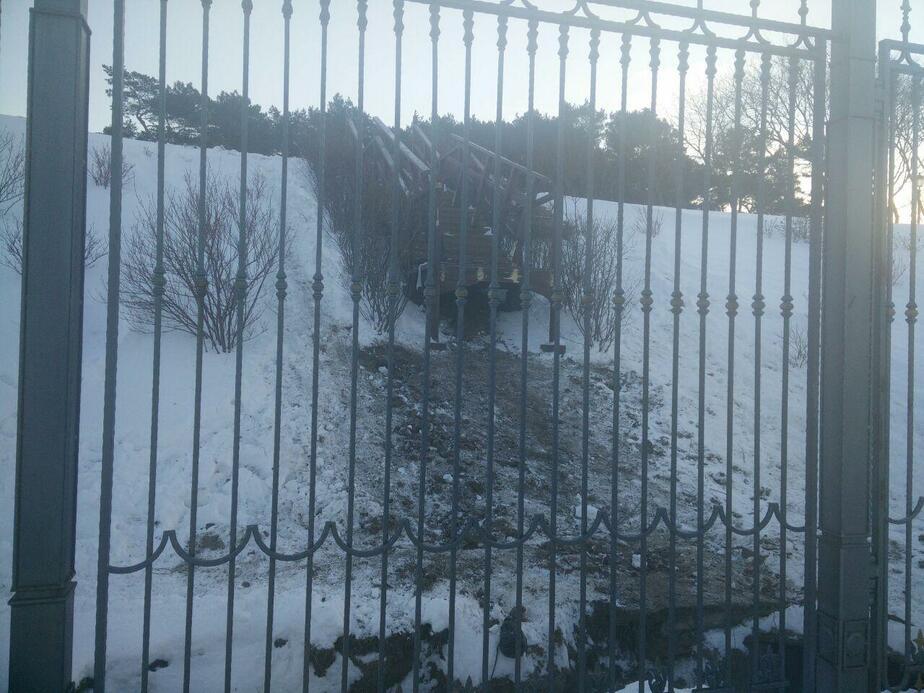 В госрезиденции в Пионерском обрушилась лестница на берегу (фото) - Новости Калининграда