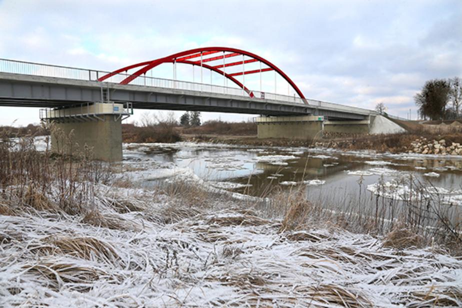 Под Черняховском открыли новый мост