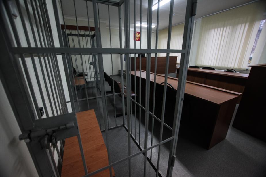 """Калининградец получил семь с половиной лет """"строгача"""" за убийство приятеля"""
