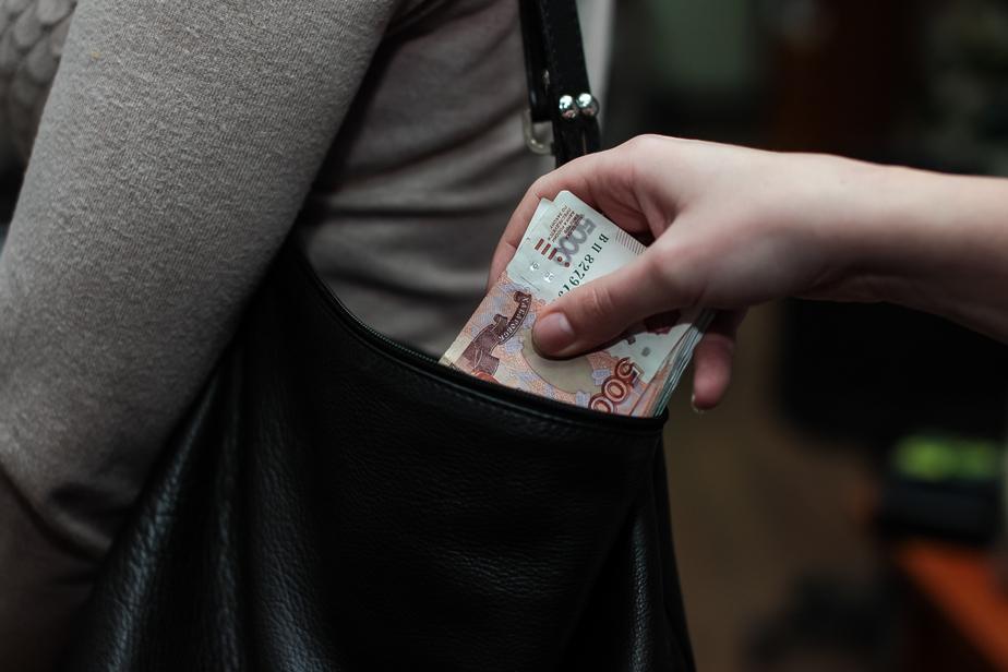Полицейские задержали калининградца, укравшего сумку у посетителя кафе - Новости Калининграда