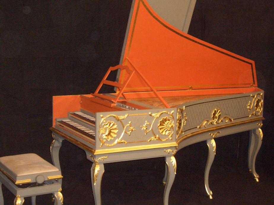 В Калининград привезут клавесины, декорированные янтарём - Новости Калининграда