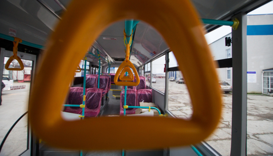 В Калининграде из-за ремонта перекрыли дорогу и изменили маршрут автобуса