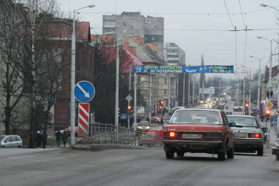 Движение по ул. Горького в сторону центра встало из-за ДТП   - Новости Калининграда