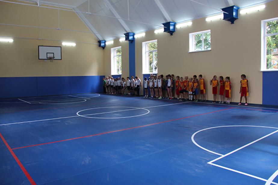 Спортзал одной из сельских школ региона отремонтировали после звонка на горячую линию губернатора  - Новости Калининграда
