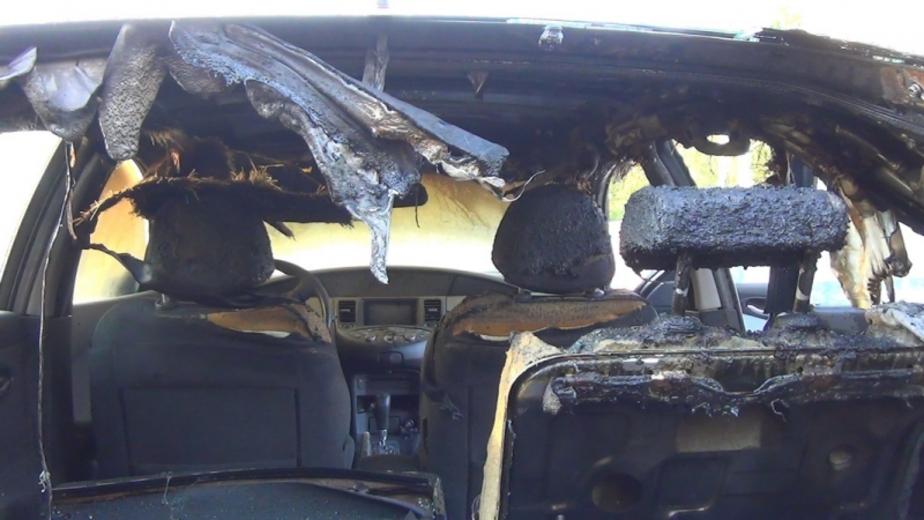 """Полиция: сгоревший в Балтийске """"Мерседес"""" подожгли после угона  - Новости Калининграда"""