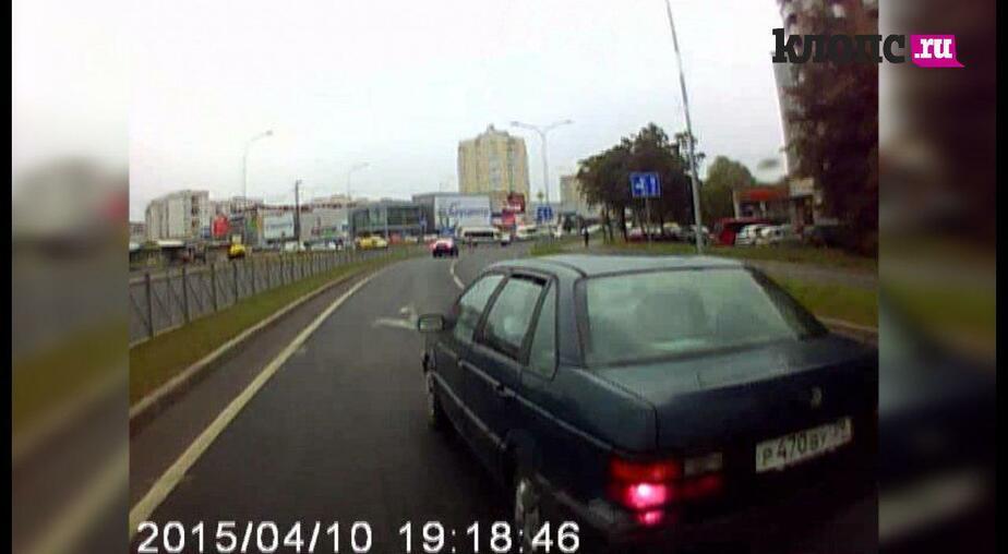 """Водитель, ты судак: """"Пассат"""" подрезал микроавтобус на Сельме (видео) - Новости Калининграда"""