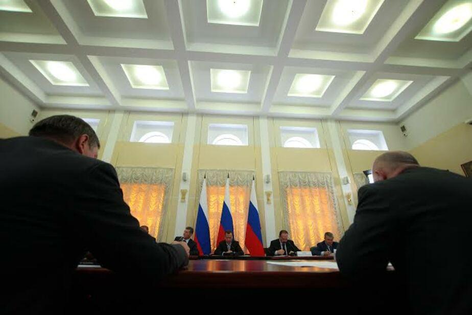 Медведев посетил завод по выпуску газосиликатных блоков в Калининграде - Новости Калининграда