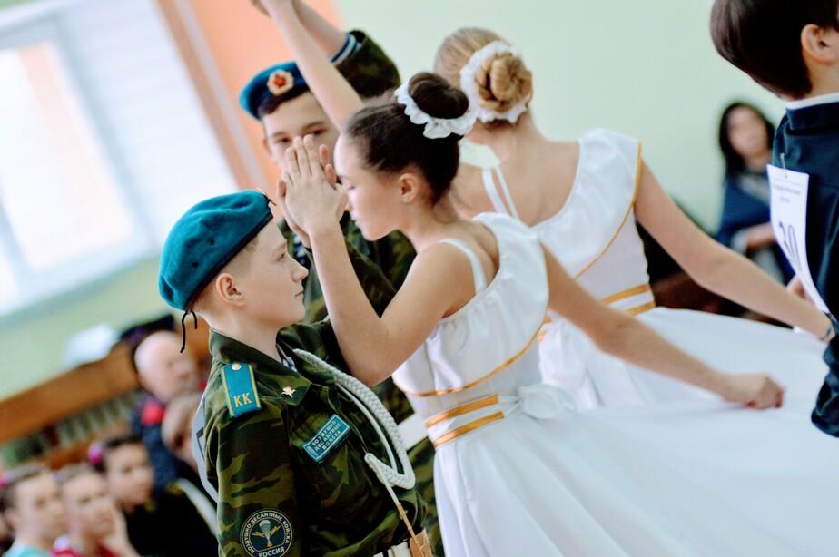 Мазурка, полонез и вальс: в Гурьевском округе состоялся седьмой кадетский бал  - Новости Калининграда
