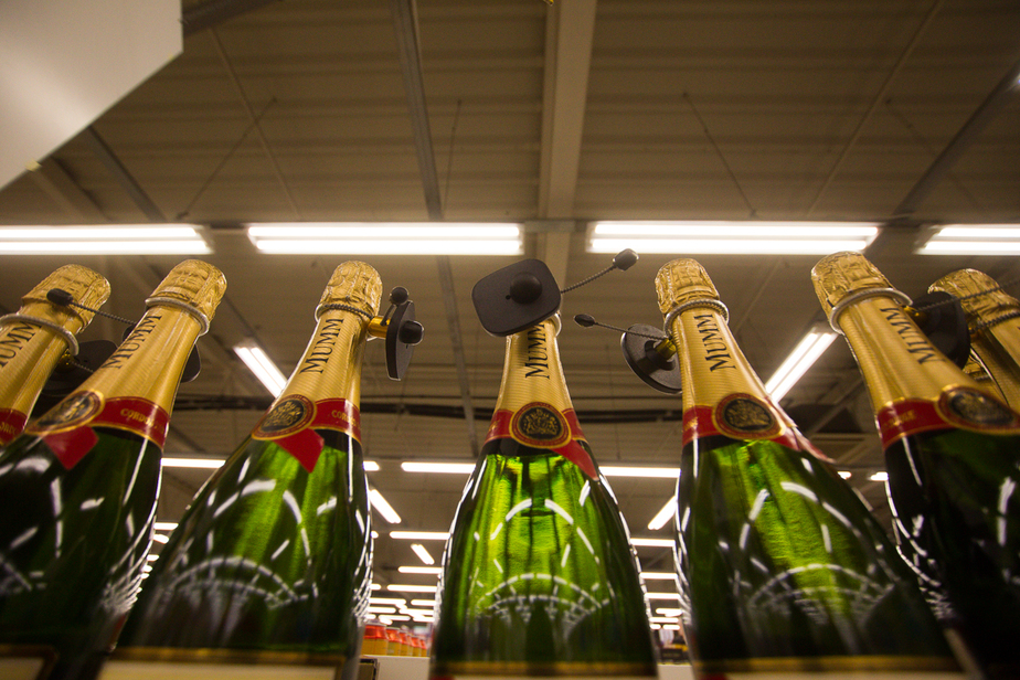 Минпромторг намерен вернуть продажу алкоголя в киосках - Новости Калининграда