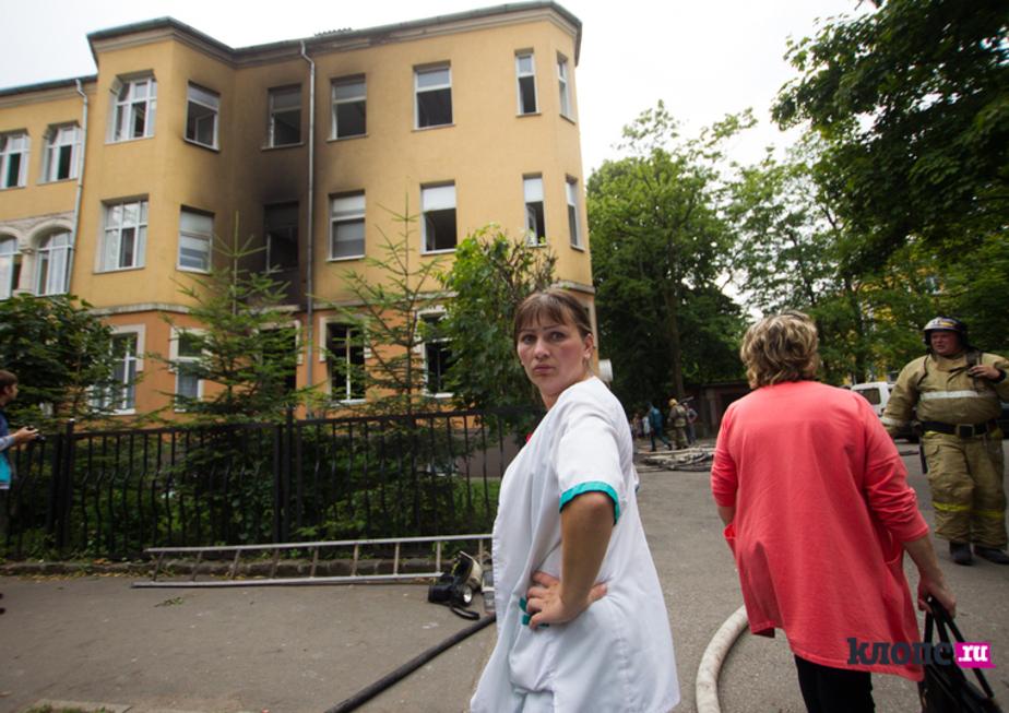 Пожар в калининградском роддоме начался с помещения для глажки белья - Новости Калининграда