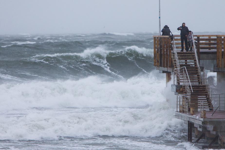 На польском побережье Балтики объявлено штормовое предупреждение - Новости Калининграда