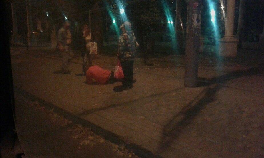 В Калининграде пьяный пассажир выпал из автобуса и разбил голову - Новости Калининграда