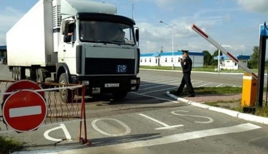 Петербургские дальнобойщики готовят протестный марш на Москву