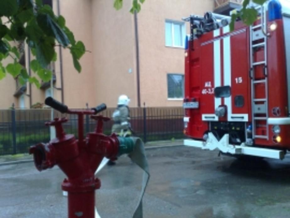 В Калининграде сгорели экскаватор и автомобиль  - Новости Калининграда