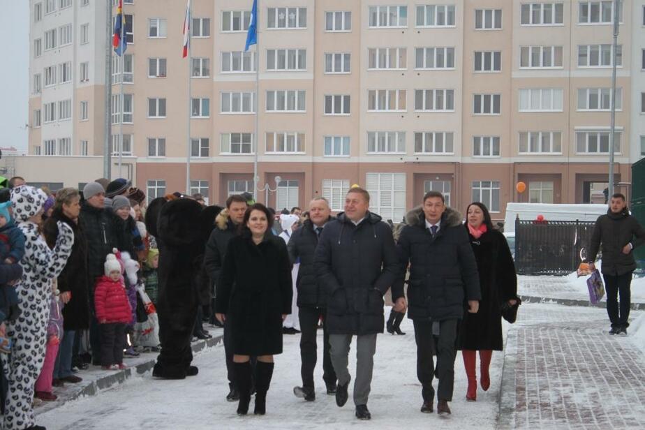 Калининградского депутата наградили медалью за строительство детсадов в срок - Новости Калининграда
