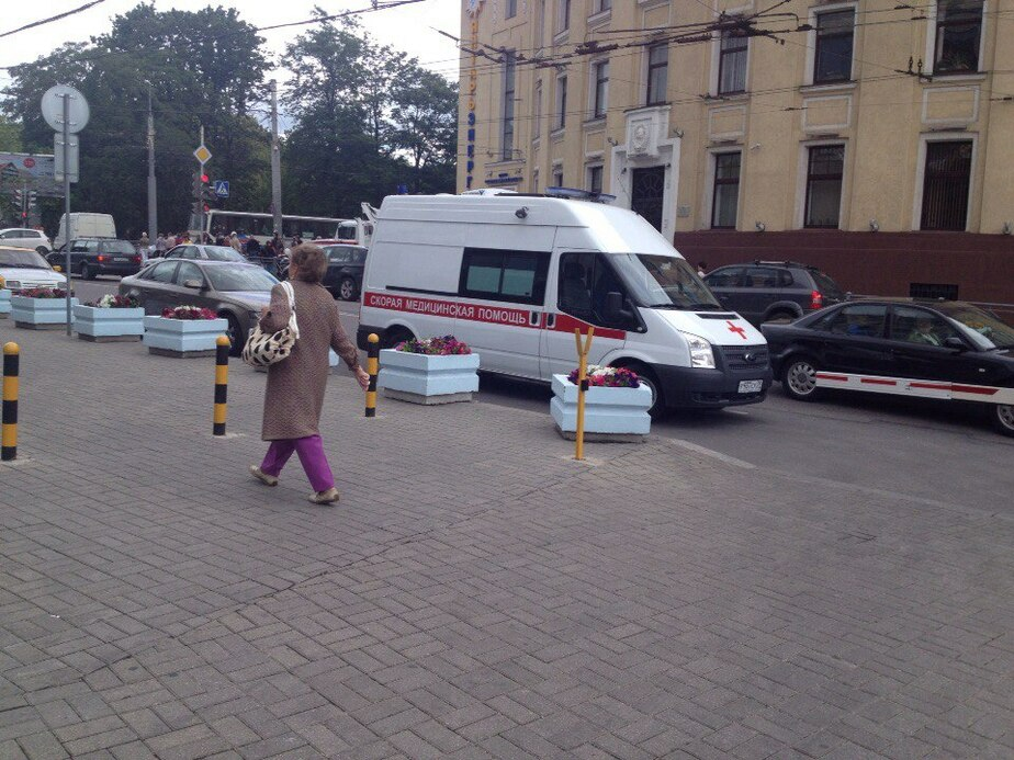 На улице Театральной стало плохо молодому человеку - Новости Калининграда