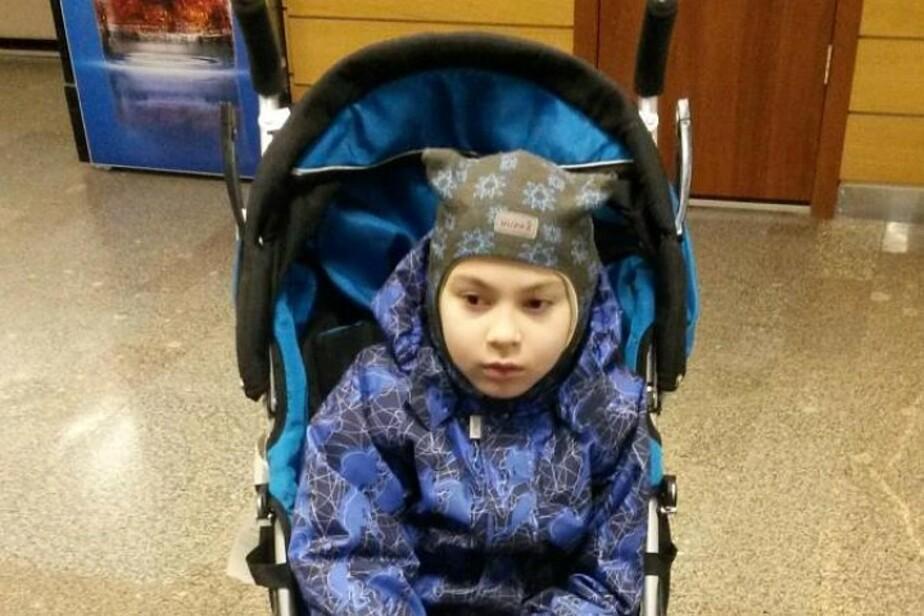 Калининградцы за несколько дней собрали деньги на коляску для мальчика-инвалида