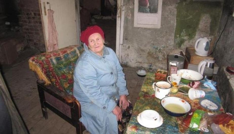 Старушку, живущую на развалинах под Багратионовском, отправили в калининградскую больницу  - Новости Калининграда