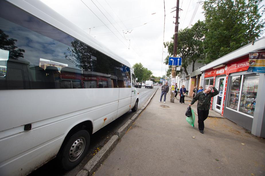 В Калининграде водитель маршрутки высадил пассажирку, сломавшую ногу - Новости Калининграда