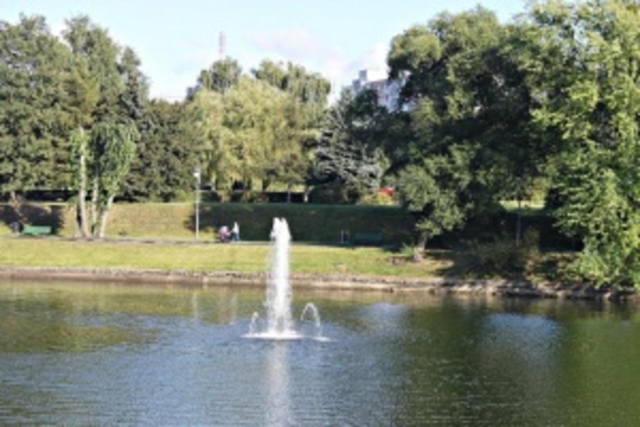На Нижнем озере в Калининграде восстановили советский фонтан - Новости Калининграда