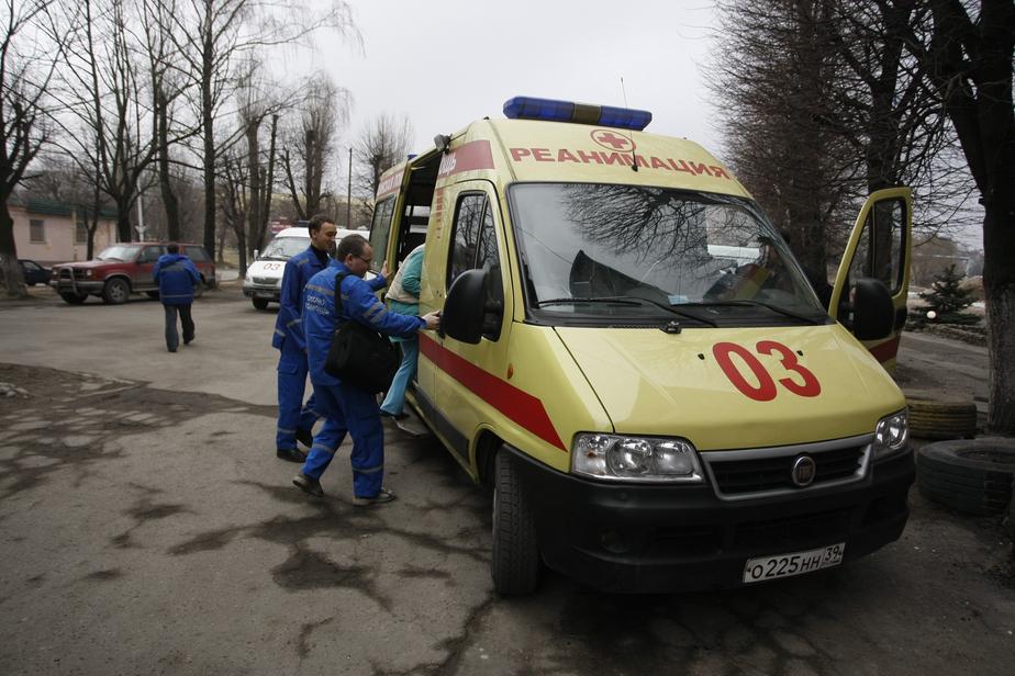 Очевидцы: в Нивенском микроавтобус сбил женщину