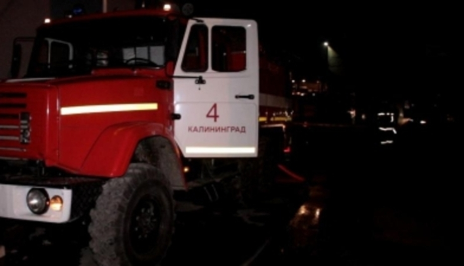 На ул. Орудийной сгорел гараж - Новости Калининграда