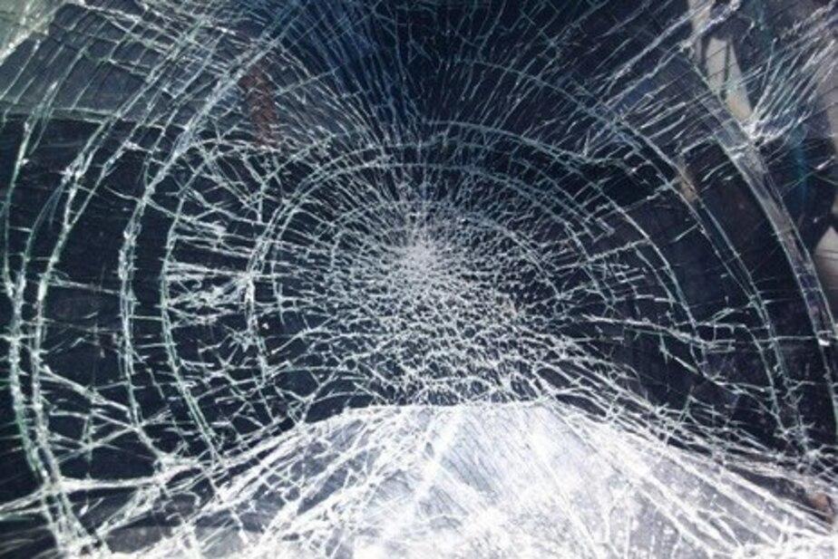 Калининградец разбил обрезком трубы соседскую машину из-за громкой сигнализации