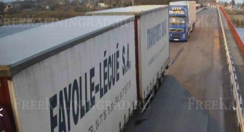 В Советске на российско-литовской границе скопились десятки грузовиков