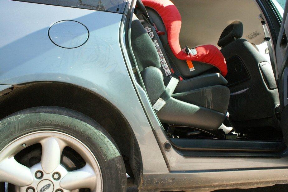 Калининградец уложил ребенка на сиденье, чтобы не платить штраф за отсутствие автокресла - Новости Калининграда