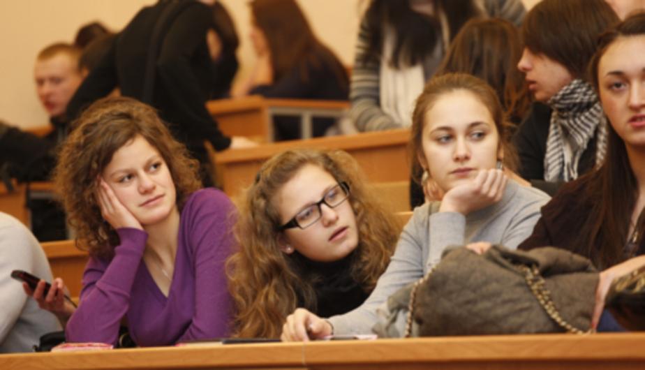 Министр образования РФ пообещал поднять студентам стипендии - Новости Калининграда