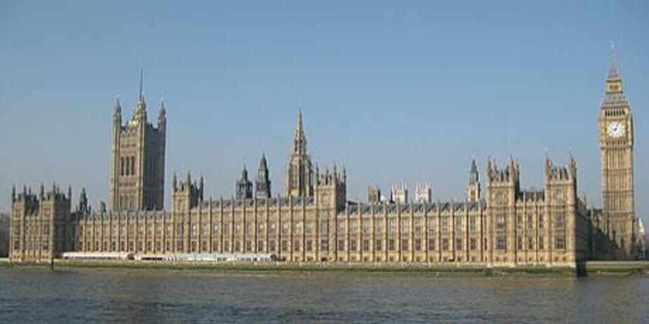 Британский депутат просит правительство своей страны срочно снять санкции с России