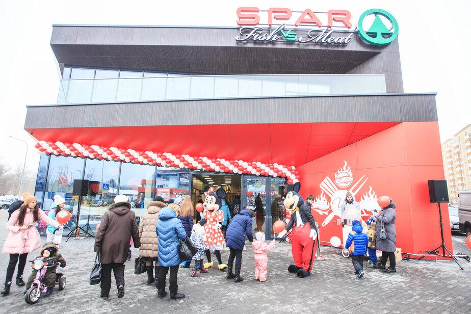 Стейки, омары и 25 видов бургеров: первый SPAR Fish VS Meat* открылся в Калининграде - Новости Калининграда