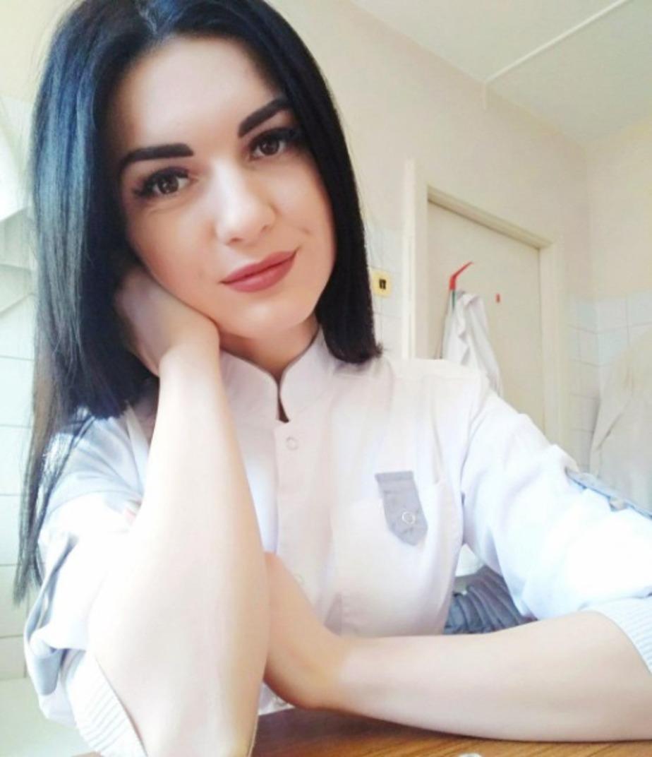 """На фото Елена Названова  / Девушка выложила эту фотографию на сайте """"ВКонтакте"""" за сутки до своей смерти"""
