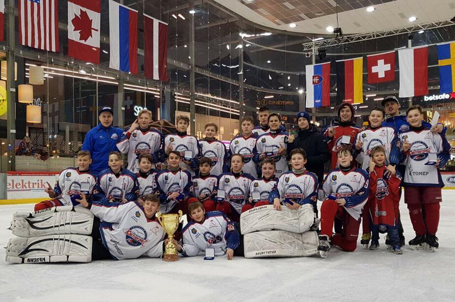Юные хоккеисты из Светлогорска стали победителями чемпионата Литвы U14 - Новости Калининграда