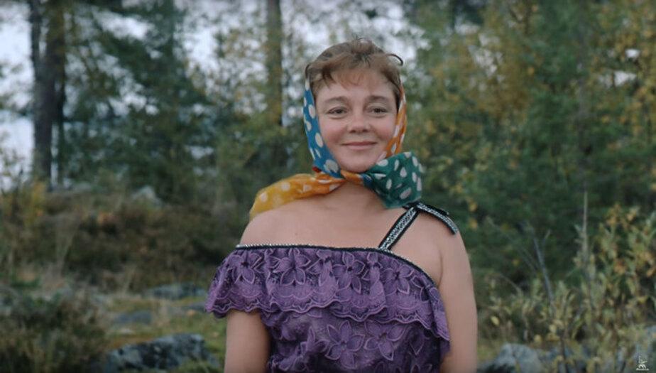 """Фото: кадр из фильма """"Любовь и голуби"""""""