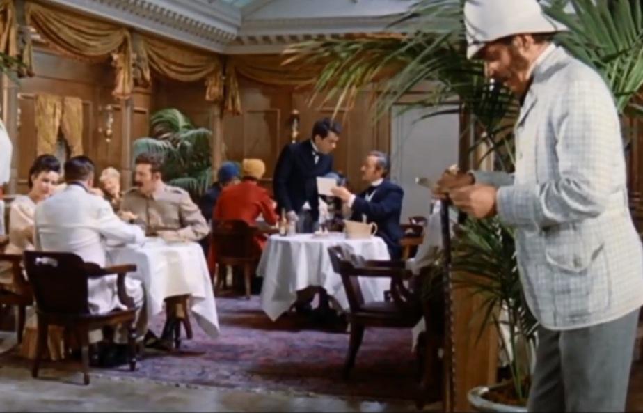 "Фото: кадр из фильма ""Вокруг света за 80 дней"", 1956 г."